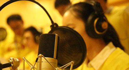 如何成为一名专业的配音员?现在配音行业前景如何?